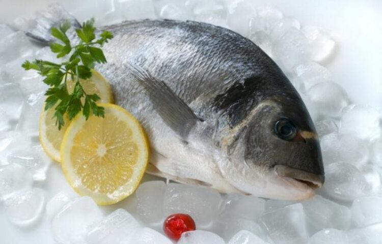 выбрать в магазине рыбу?