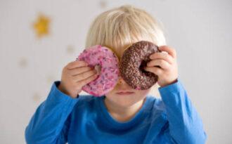 сладкий подарок для ребенка